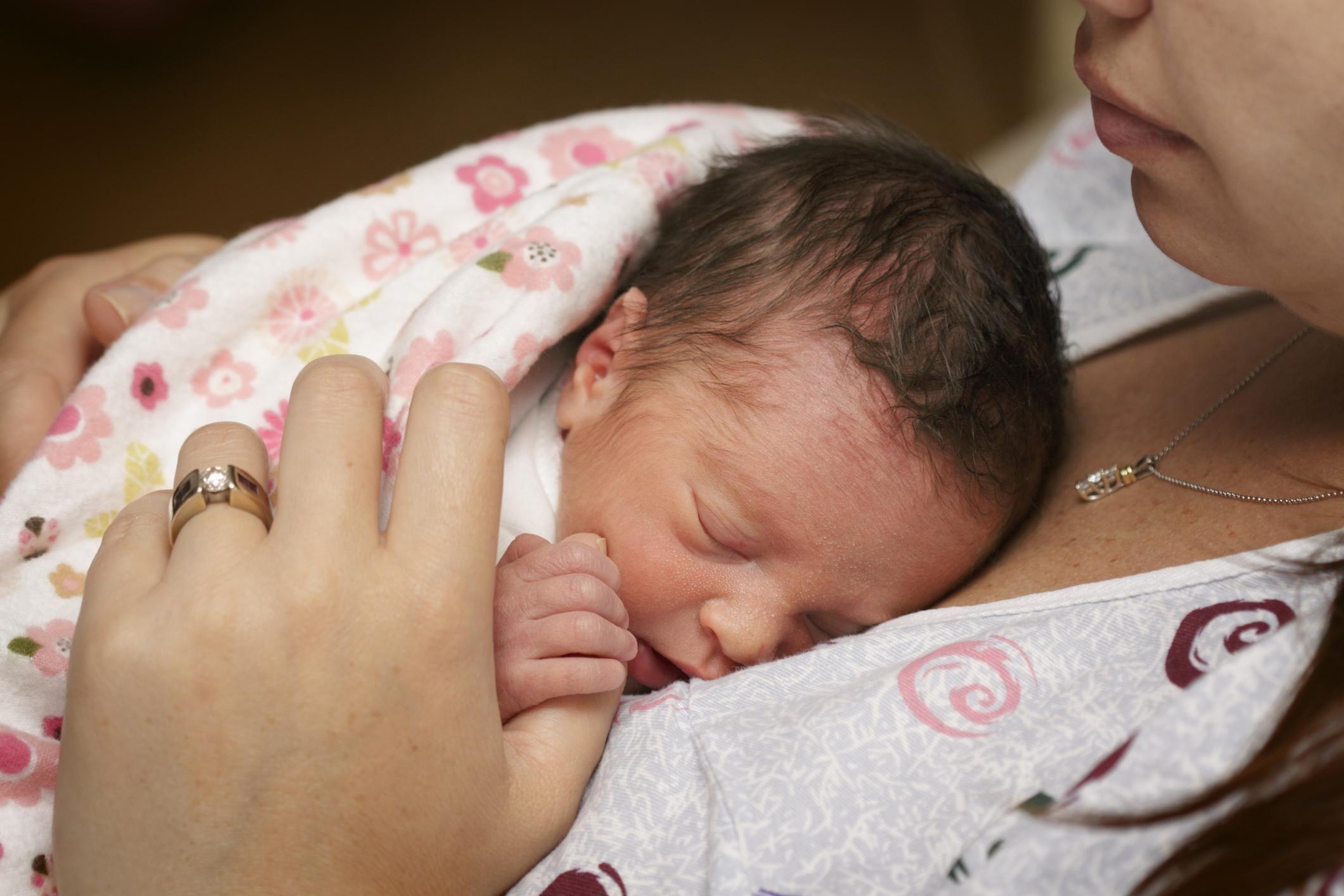 Когда приходит молозиво после родов