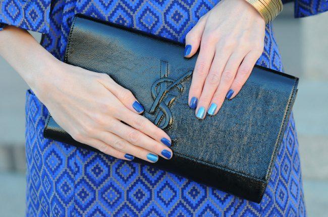 маникюр к синему платью