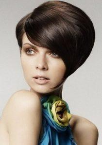 прическа в стиле стиляг на короткие волосы